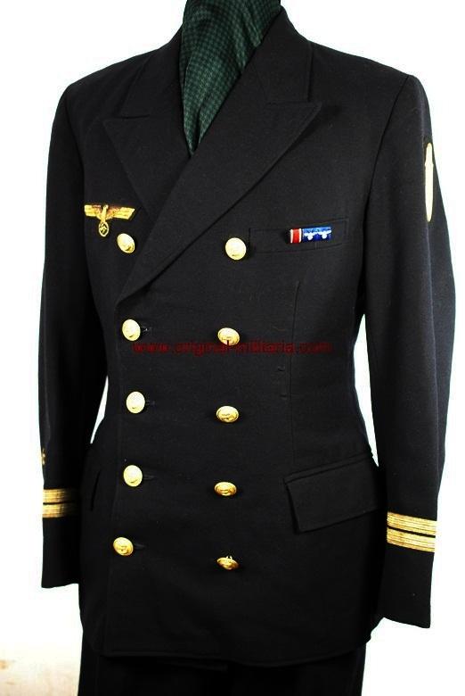 """KM/ Uniforme de Oberleutnant con Placa del """"Narvik"""" en Oro"""